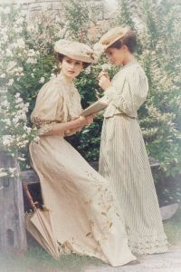 f03cf68d082763c6d02f2dd29e505a86--s-fashion-edwardian-fashion